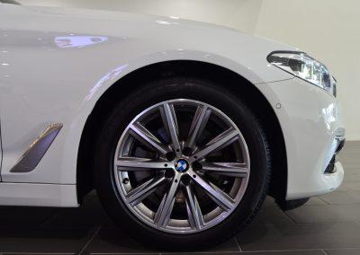 BMW520i WHITE 3