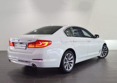 BMW520i WHITE